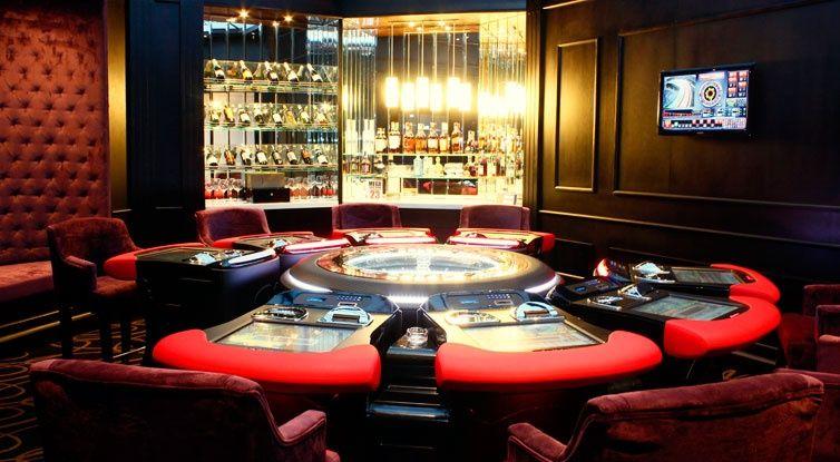 club 21 casino at mövenpick hotel saigon