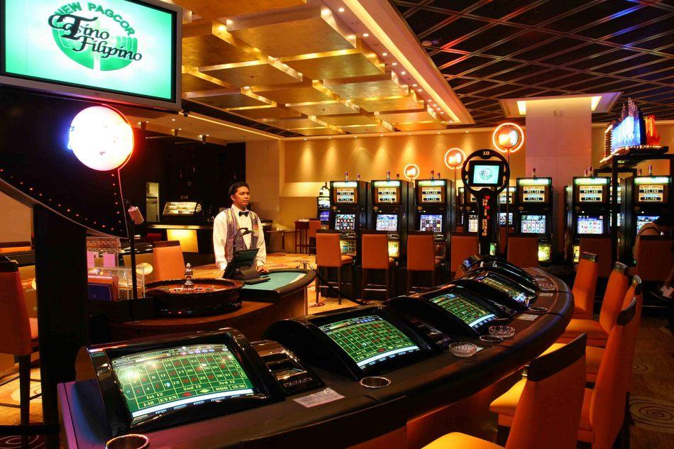 Play omaha poker